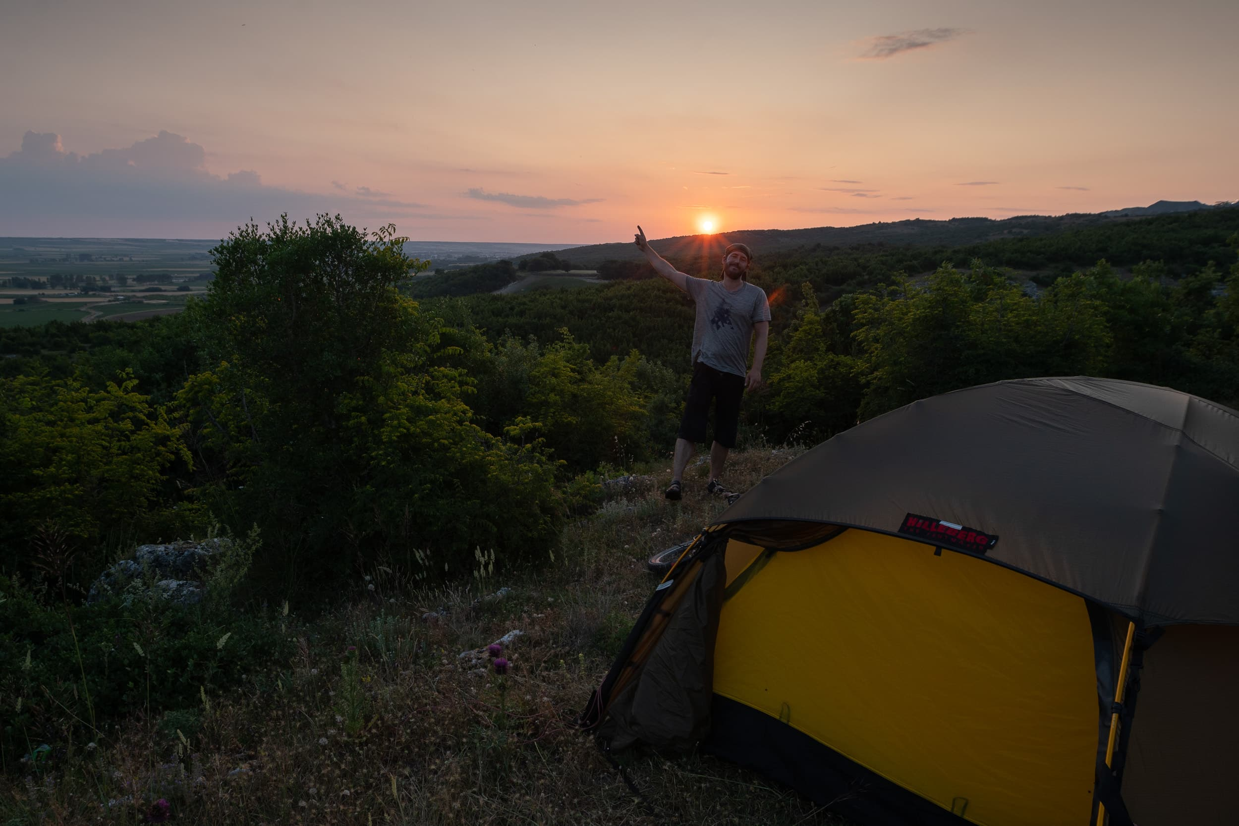 wildcamping at sunset in Turkey